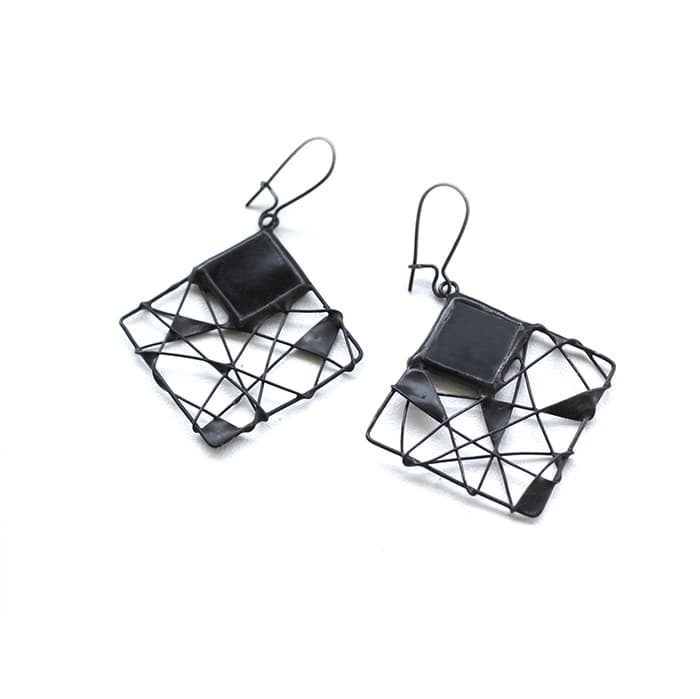 black-geaometric-earrings-artkvarta-halloween3