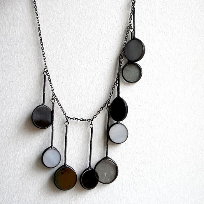 black-circle-necklace