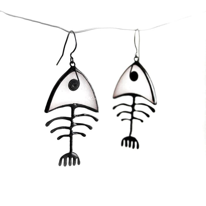 white-fish-bone-big-earrings1