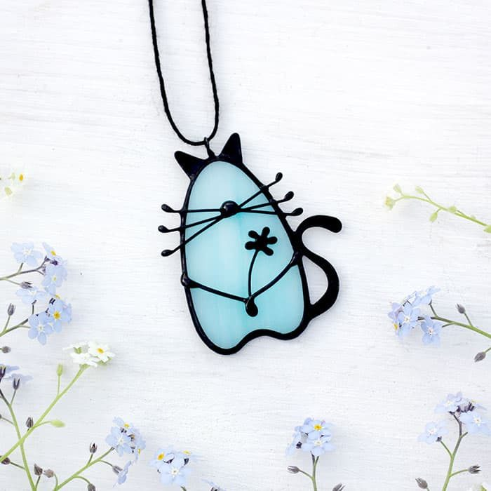 Cat Necklace Decor with Flower